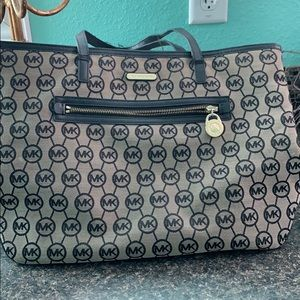 MK large purse